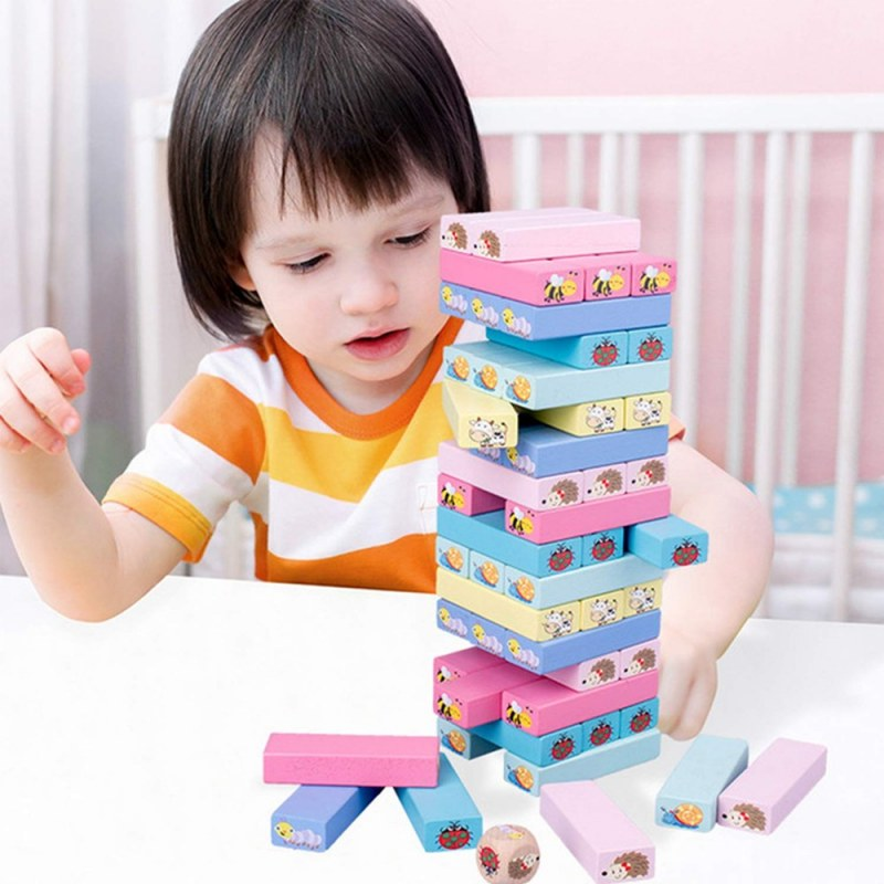 Dětská hra - dřevěná věž