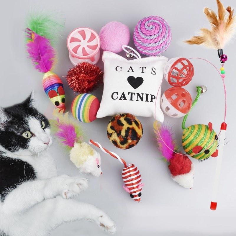 Set hraček pro kočky