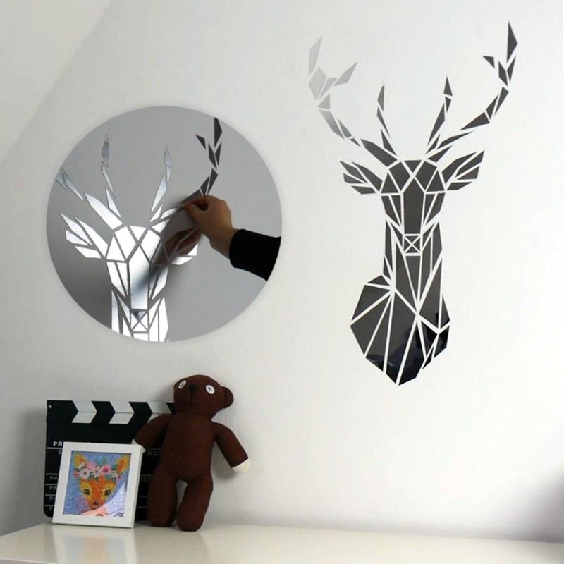 Zrcadlová samolepka na zeď - jelen